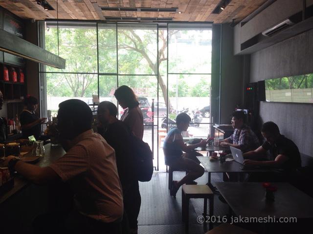 タナメラコーヒーの店内