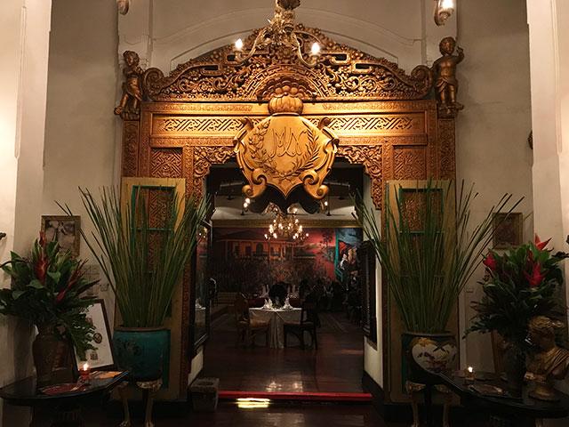 アンティークな洋館でオランダ&インドネシア料理、TUGU KUNSTRING PALEIS